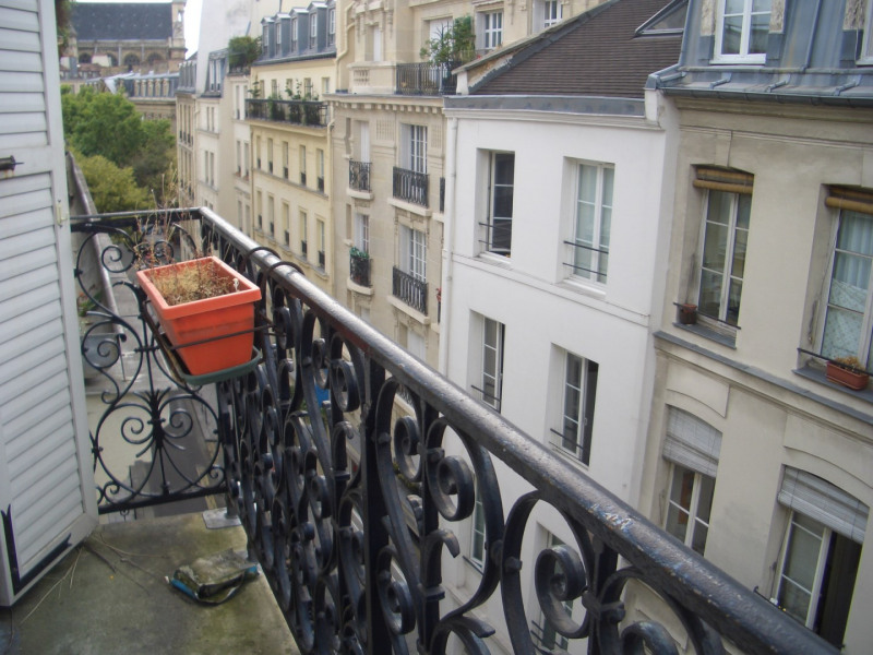 Rental apartment Paris 4ème 1250€ CC - Picture 1