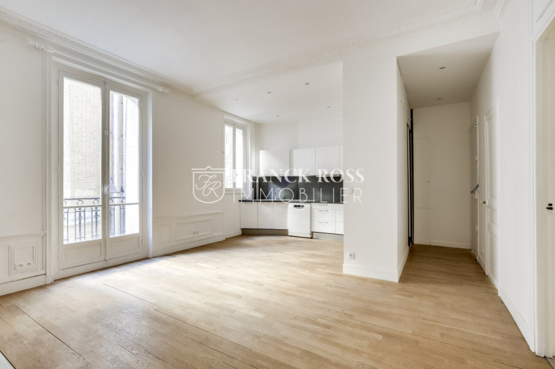 Location appartement Paris 17ème 3 500€ CC - Photo 2