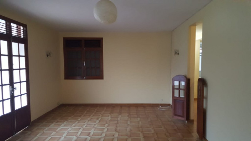 Rental house / villa Le gosier 850€ CC - Picture 2