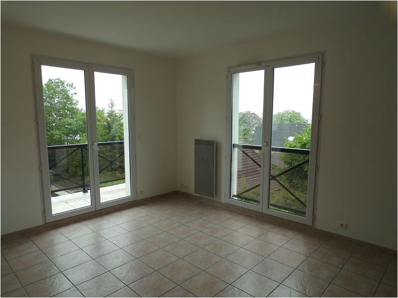 Rental apartment Yerres 773€ CC - Picture 2