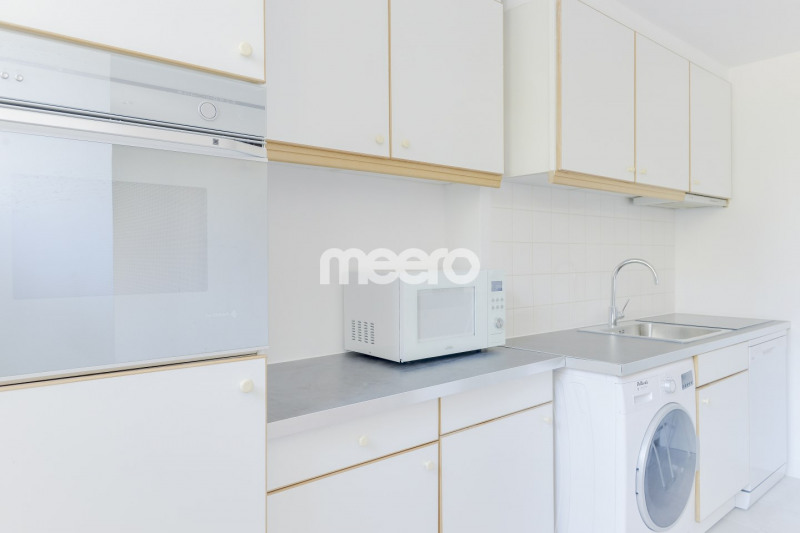 Location appartement Paris 16ème 2 200€ CC - Photo 5