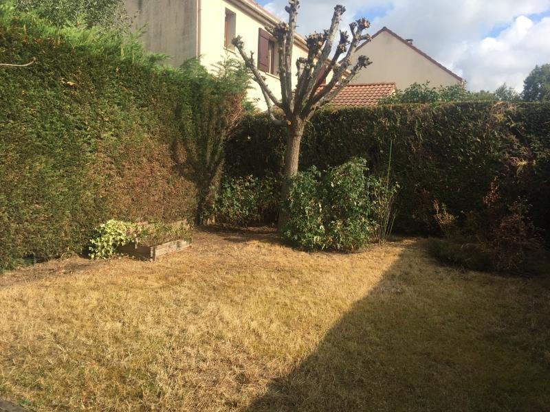 Rental house / villa Guyancourt 1450€ CC - Picture 1