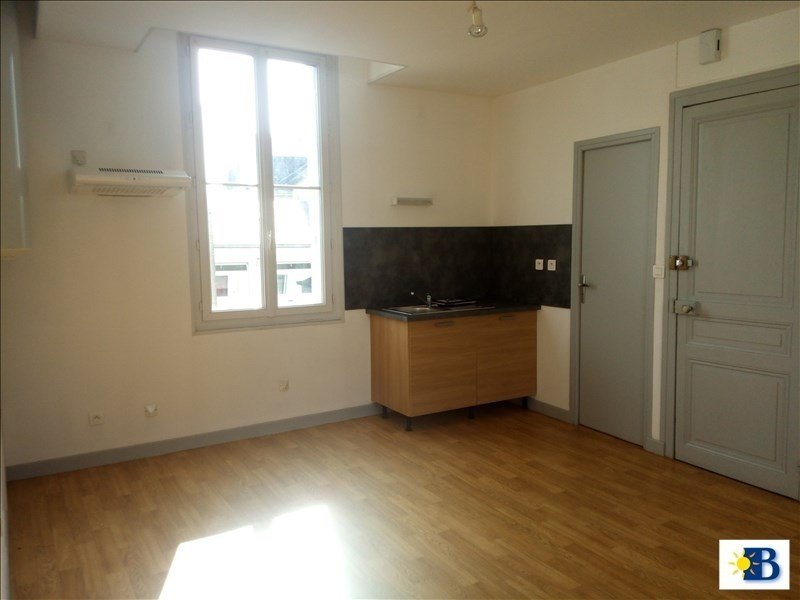 Location appartement Chatellerault 300€ CC - Photo 1