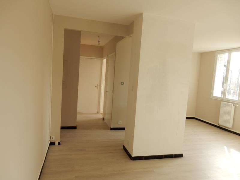 Location appartement St martin d'heres 597€ CC - Photo 1