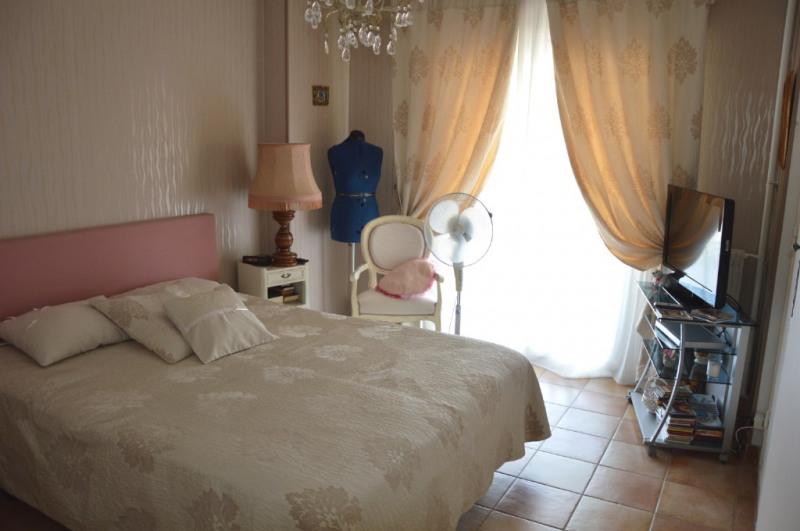 Sale apartment Toulon 268000€ - Picture 2