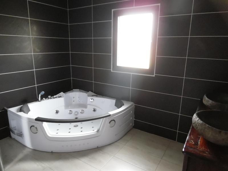 Sale house / villa Fontet 278200€ - Picture 4