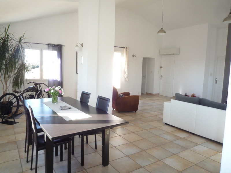 Sale apartment Serignan du comtat 189 000€ - Picture 3