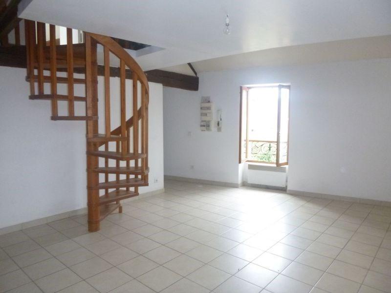 Rental apartment Ballancourt 658€ CC - Picture 2