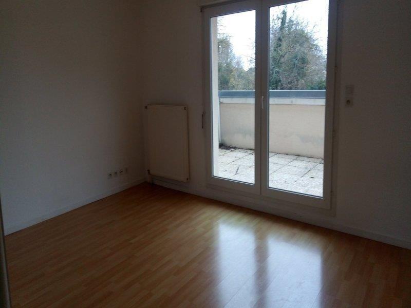 Rental apartment Saint parres aux tertres 420€ CC - Picture 2