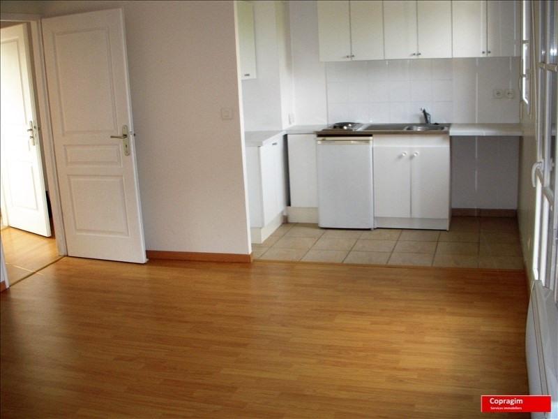 Rental apartment Montereau fault yonne 551€ CC - Picture 2