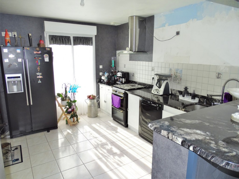 Vente maison / villa Voves 150 000€ - Photo 3