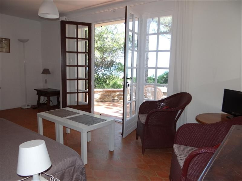 Vacation rental house / villa Cavalaire sur mer 900€ - Picture 14