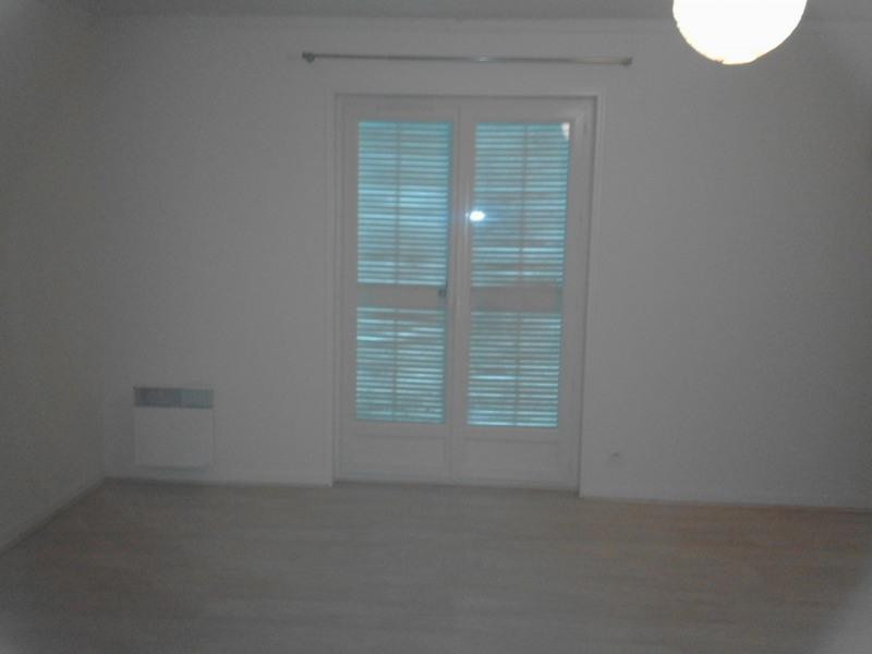 Rental house / villa Barbezieux-saint-hilaire 626€ CC - Picture 3