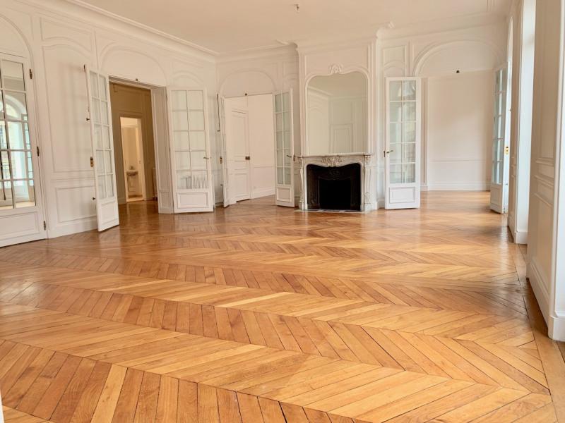 Location appartement Paris 17ème 6500€ CC - Photo 2