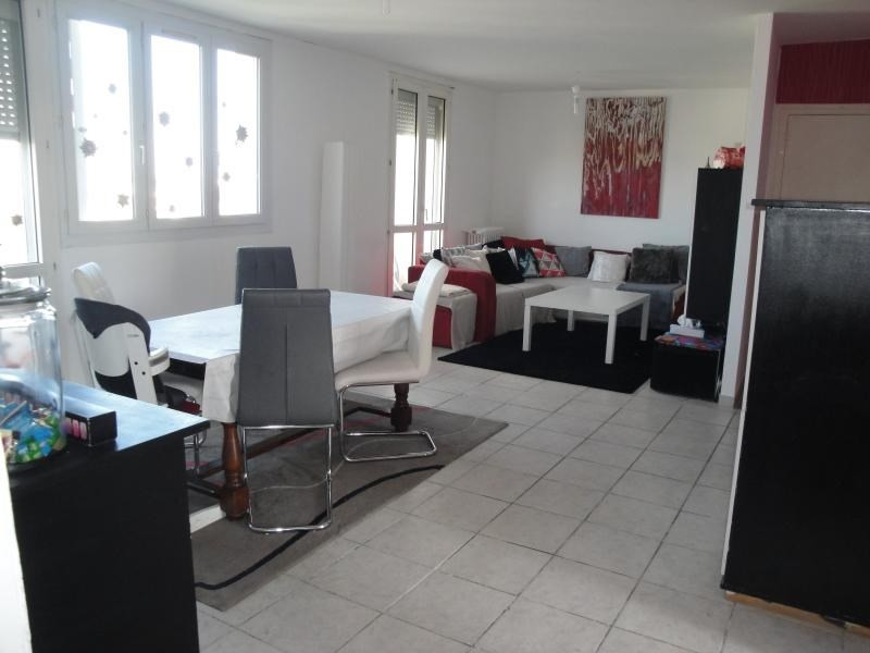 Sale apartment Niort 90 334€ - Picture 2