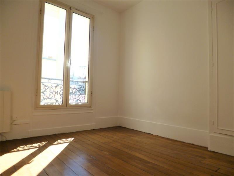 Location appartement Paris 18ème 890€ CC - Photo 4