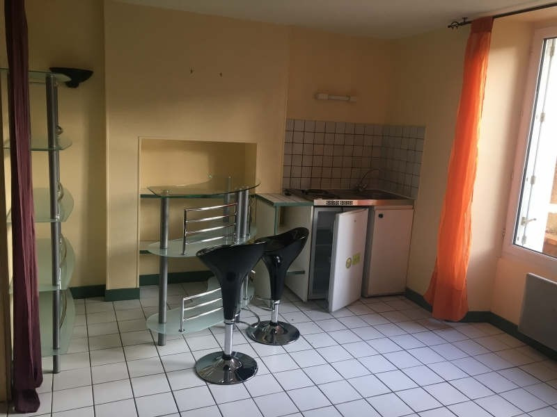 Location appartement Poitiers 420€ CC - Photo 2
