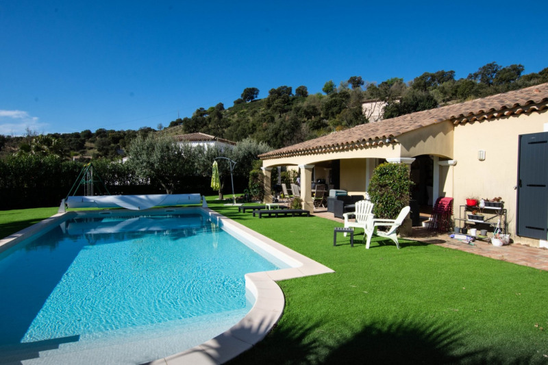 Vacation rental house / villa Le plan de la tour 2 500€ - Picture 1
