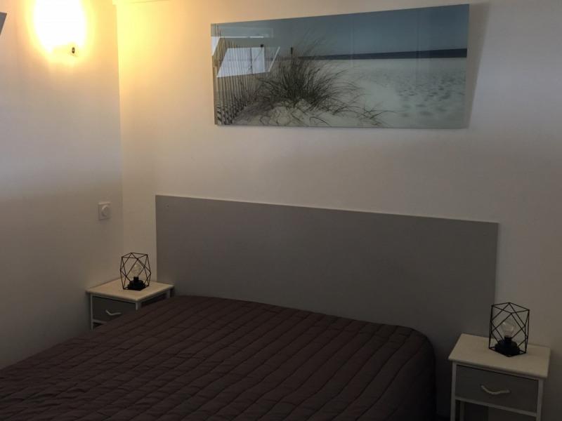 Location vacances appartement Le grau du roi 430€ - Photo 11