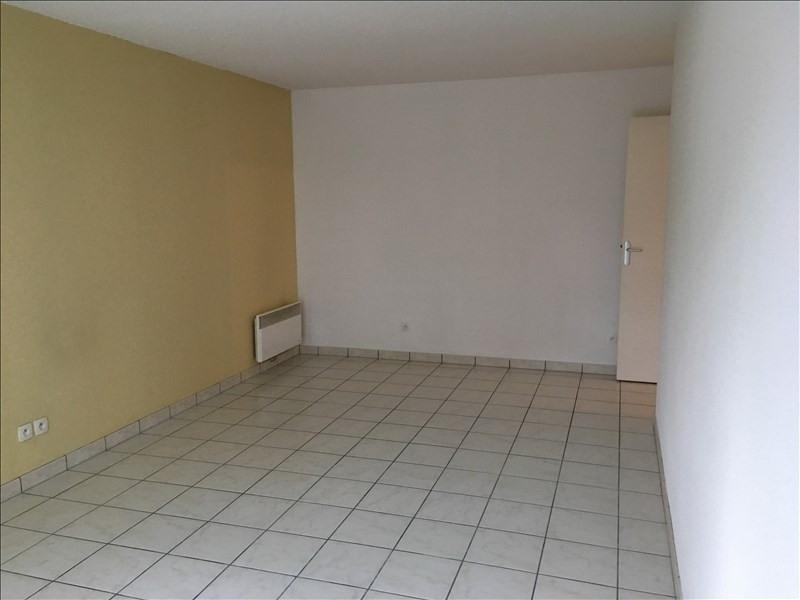 Rental apartment Vendome 432€ CC - Picture 3
