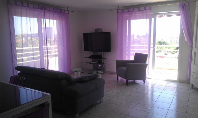 Location appartement Toulon 1 100€ CC - Photo 3