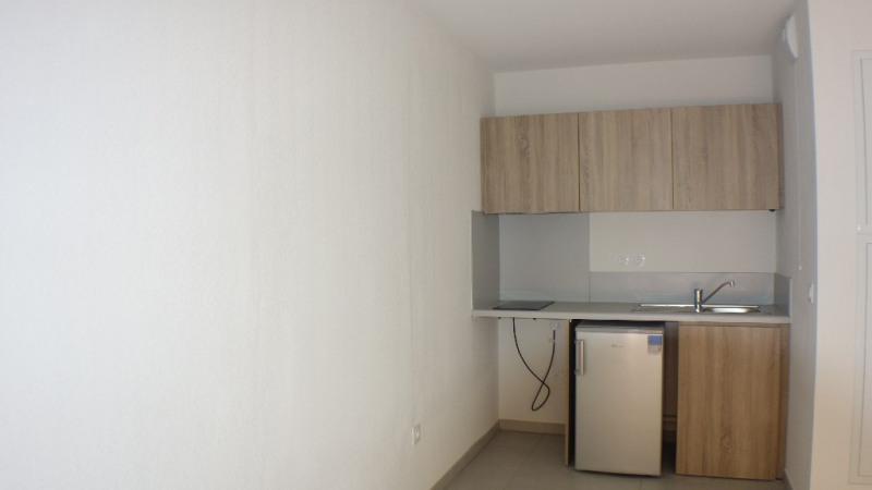 Verhuren  appartement Londe les maures 572€ CC - Foto 2
