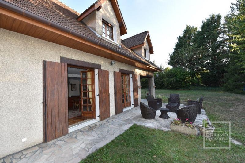 Deluxe sale house / villa Dommartin 650000€ - Picture 4