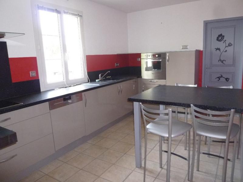 Location maison / villa Salles d'angles 1115€ CC - Photo 2