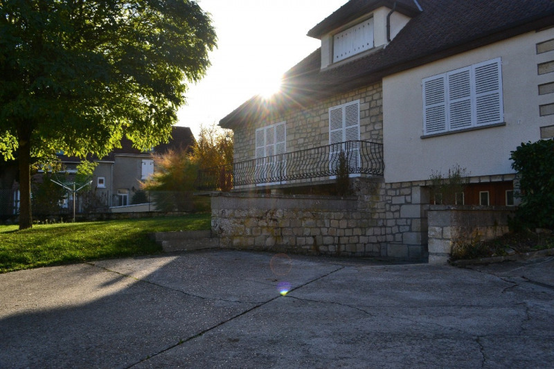 Rental house / villa Chambly 1250€ CC - Picture 3