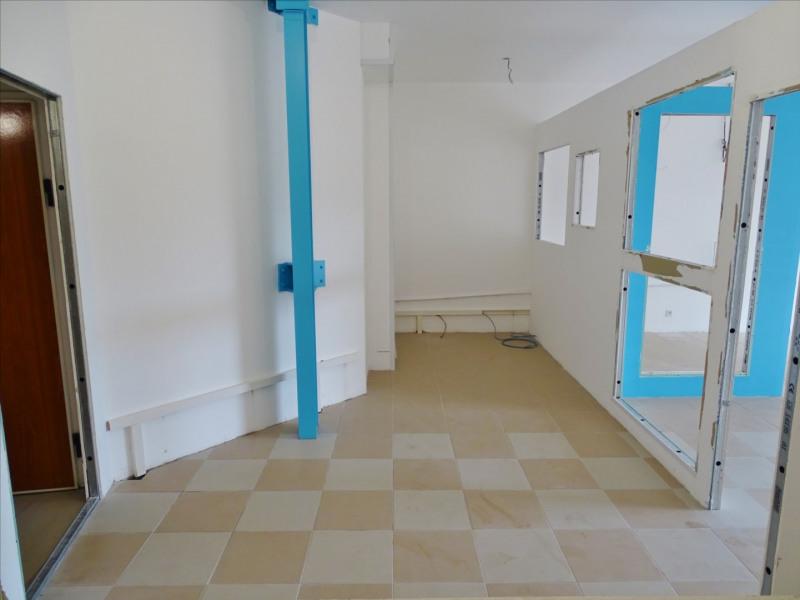 Rental empty room/storage Saint denis 1600€ CC - Picture 8