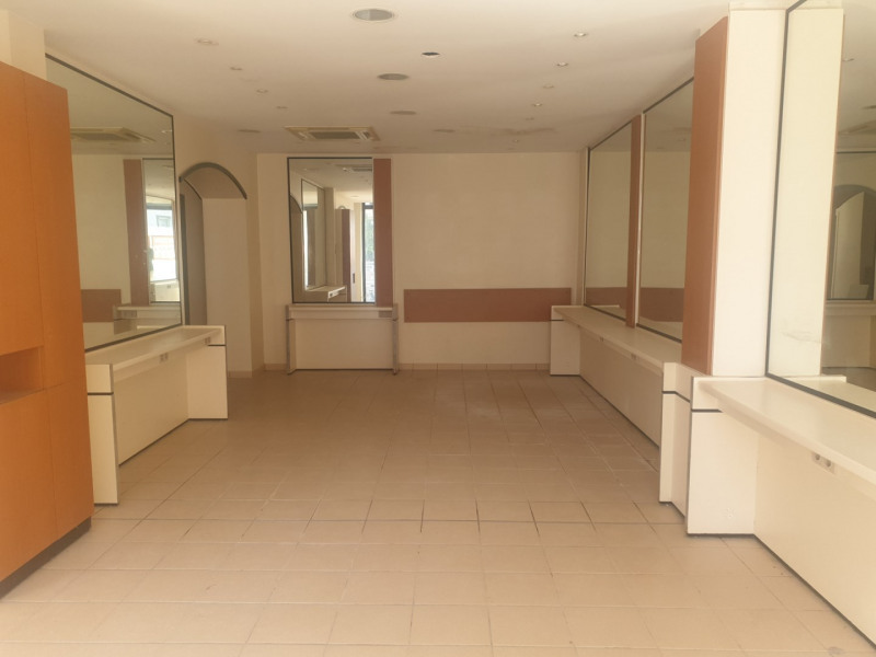Sale empty room/storage Arcachon 262 500€ - Picture 2