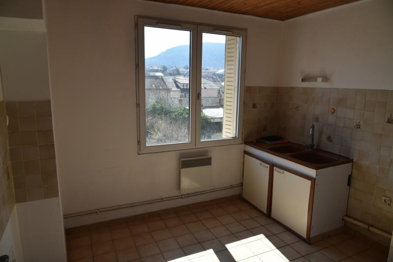 Rental apartment Oyonnax 500€ CC - Picture 4