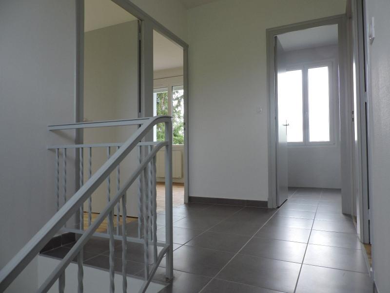 Location maison / villa Sauvagnas 850€ CC - Photo 5