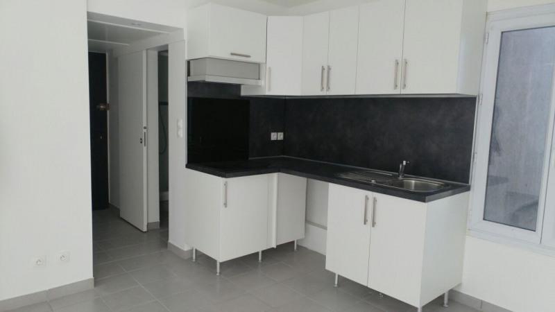 Location appartement Montlhery 494€ CC - Photo 1