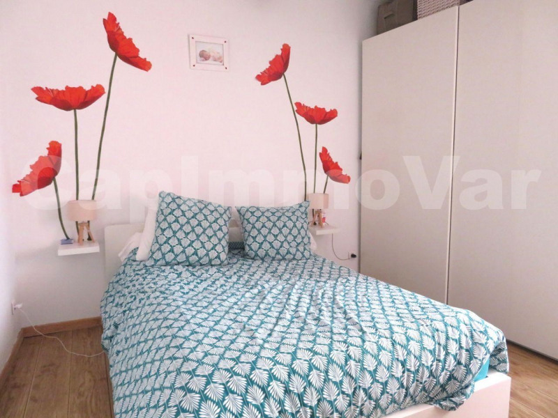 Sale apartment Le beausset 183 000€ - Picture 5