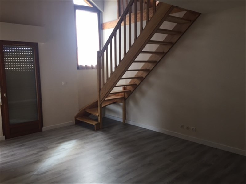 Rental apartment Reignier-esery 1110€ CC - Picture 4
