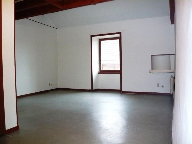 Location appartement Cremieu 465€ CC - Photo 3