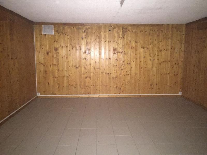 Rental empty room/storage Sallanches 710€ CC - Picture 5