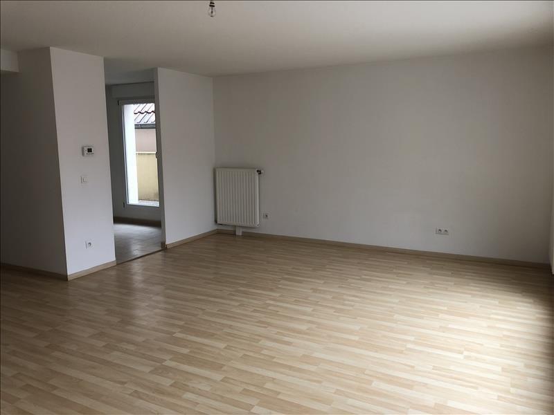 Rental apartment Rhinau 760€ CC - Picture 2