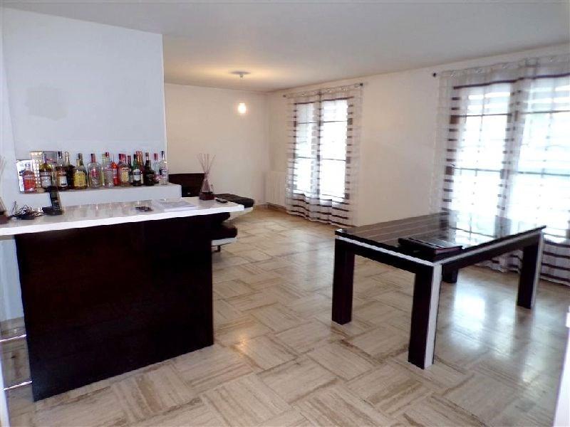 Revenda apartamento Ste genevieve des bois 298200€ - Fotografia 4