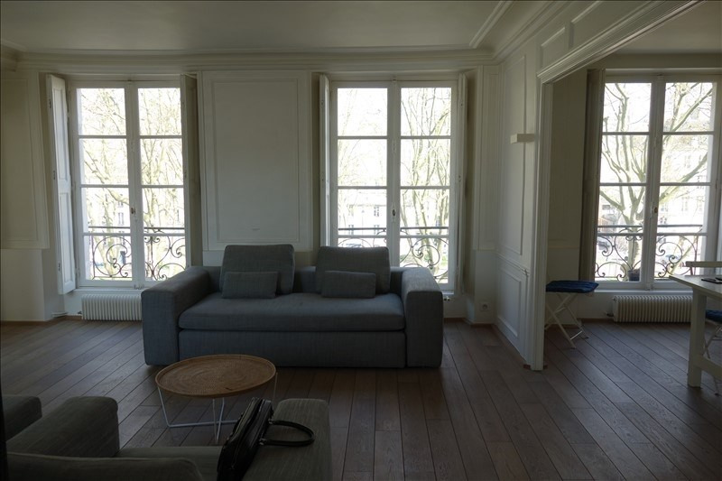 Rental apartment Versailles 2 600€ CC - Picture 2