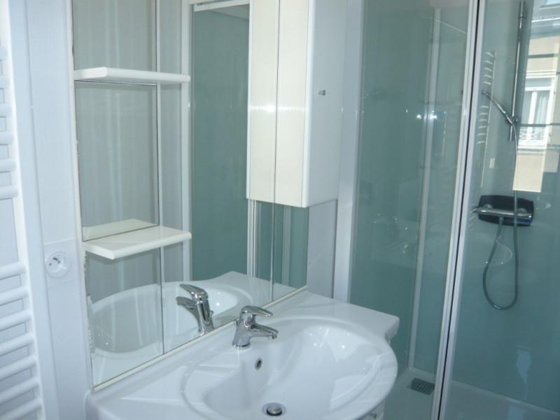 Rental apartment Laval 315€ CC - Picture 3