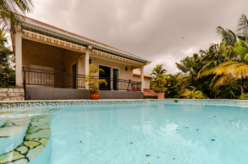 Vente maison / villa Le tampon 495850€ - Photo 1