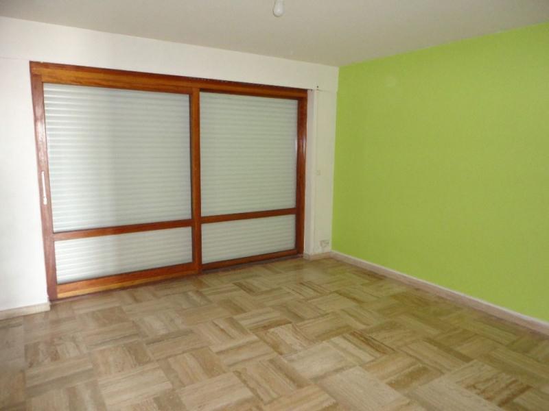 Sale apartment Avignon 117000€ - Picture 2