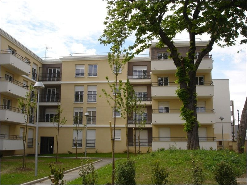 Rental apartment Viry chatillon 1111€ CC - Picture 1
