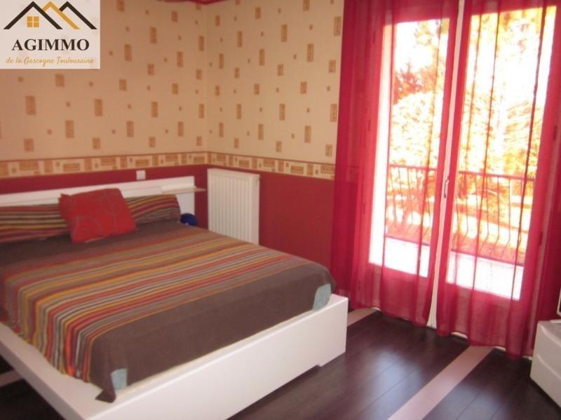 Sale house / villa L isle jourdain 282000€ - Picture 5