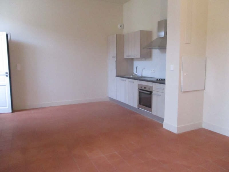 Location appartement Nimes 617€ CC - Photo 1
