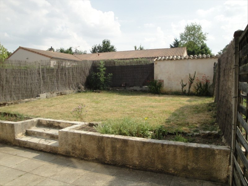 Location maison / villa St gelais 635€ CC - Photo 6
