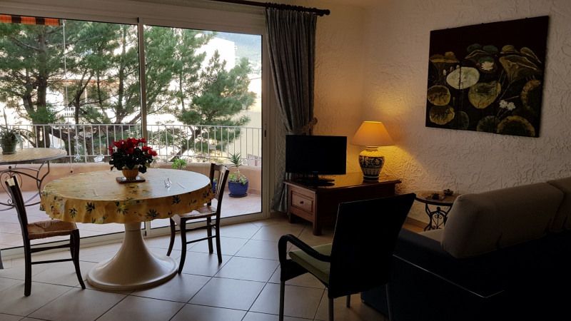 Location appartement Cavalaire-sur-mer 851€ CC - Photo 4