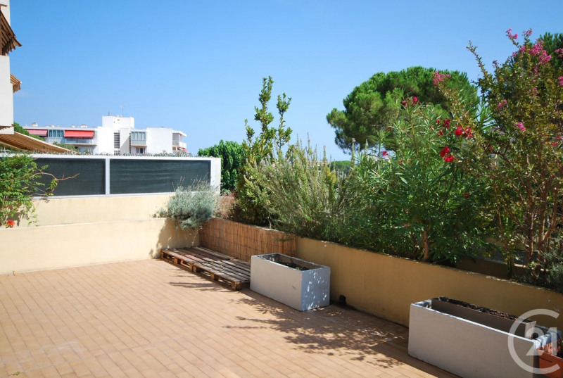 Rental apartment Antibes 810€ CC - Picture 1